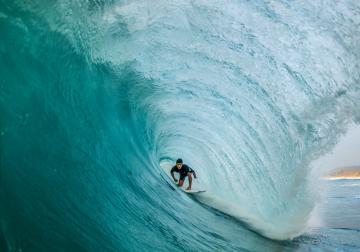 Surfeando para no ahogarse  en la mediocridad